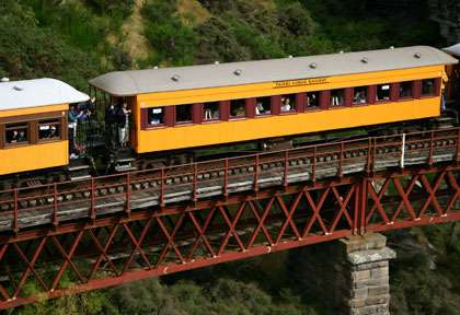 Train Taieri Gorge